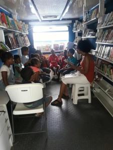 adopteer een boek voor de bus